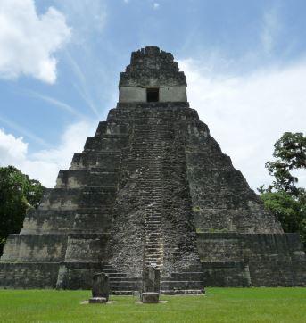 Piramide Maya de Tikal