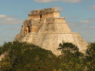 Piramide Maya del Adivino