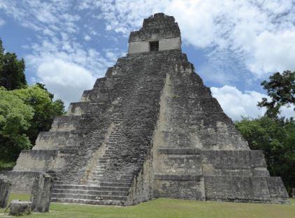 Templo maya ruinas de Tikal