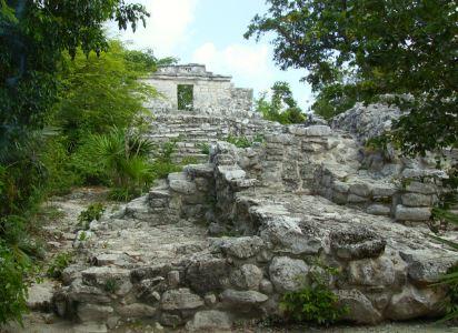Conquista de la cultura maya